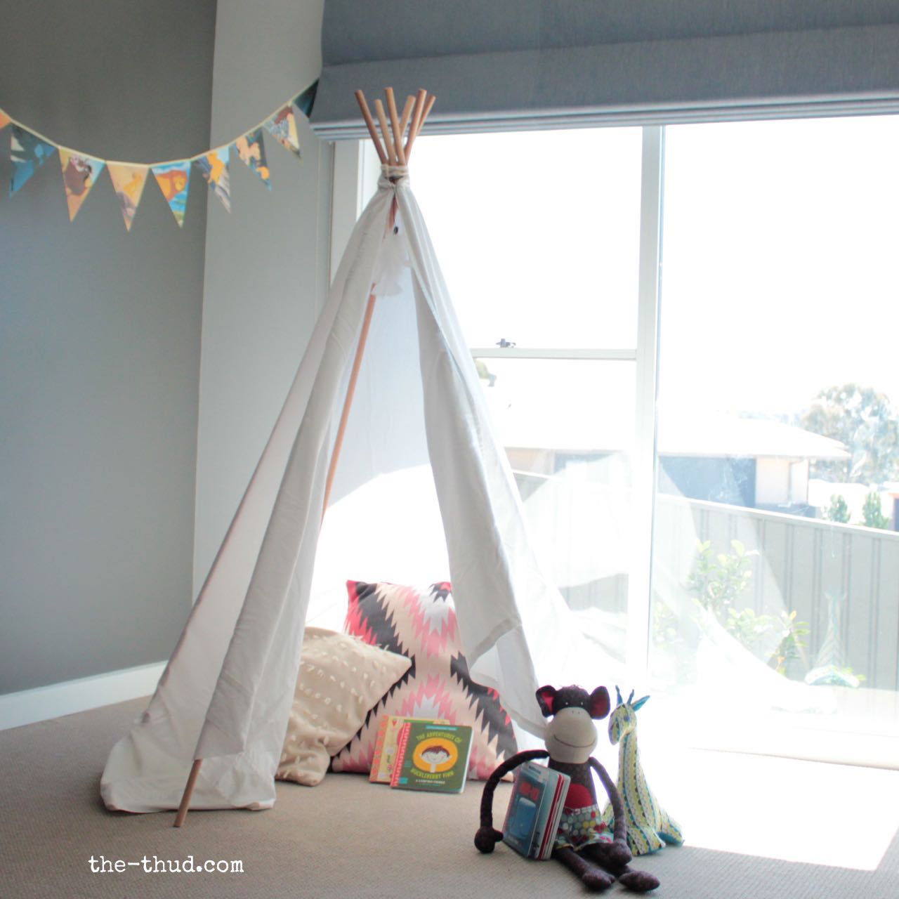 DIY kids teepee instructions - sew and no sew variations. Super easy and cheap to & DIY Kids Teepee - The Thud
