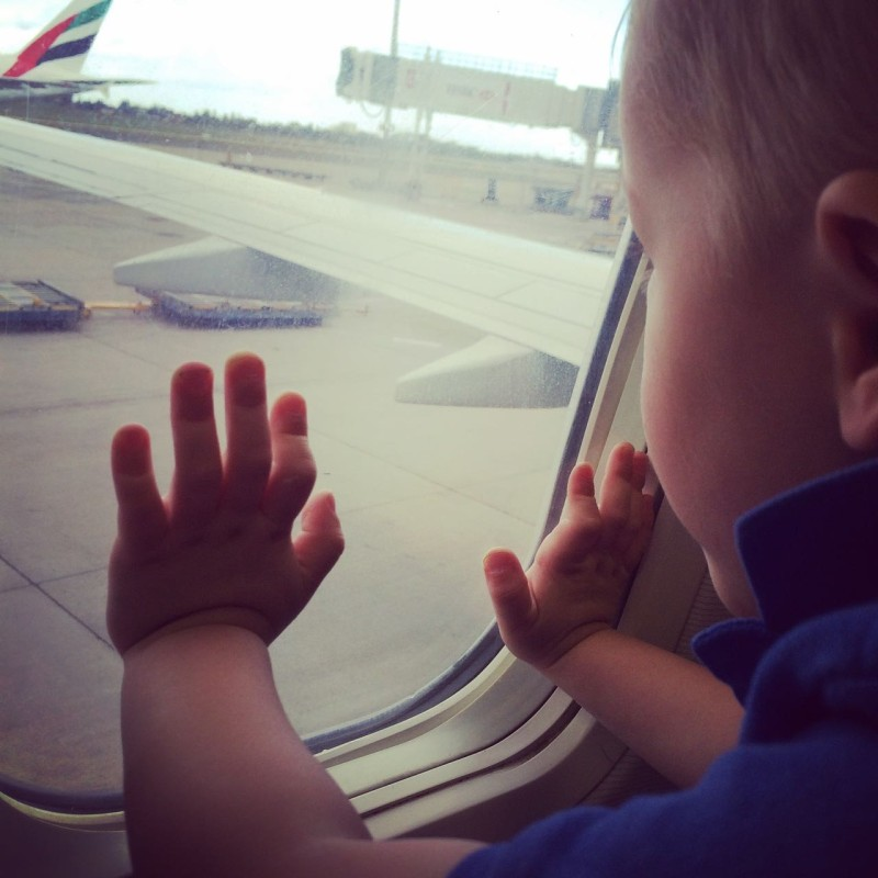 travelling with toddlers - airplane window